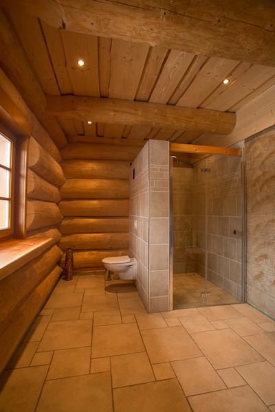Blockhaus naturstammhaus aus rundholz midsummer cottage for Blockhaus innen modern